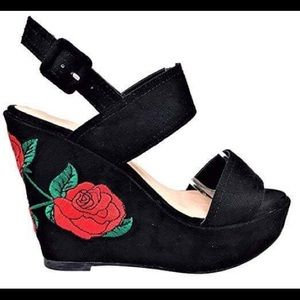 Wild Dive Black Rose Embroidered Wedges